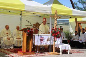 Snell György segédpüspök celebrálta a szentmisét (Fotó:Pásztor Péter)