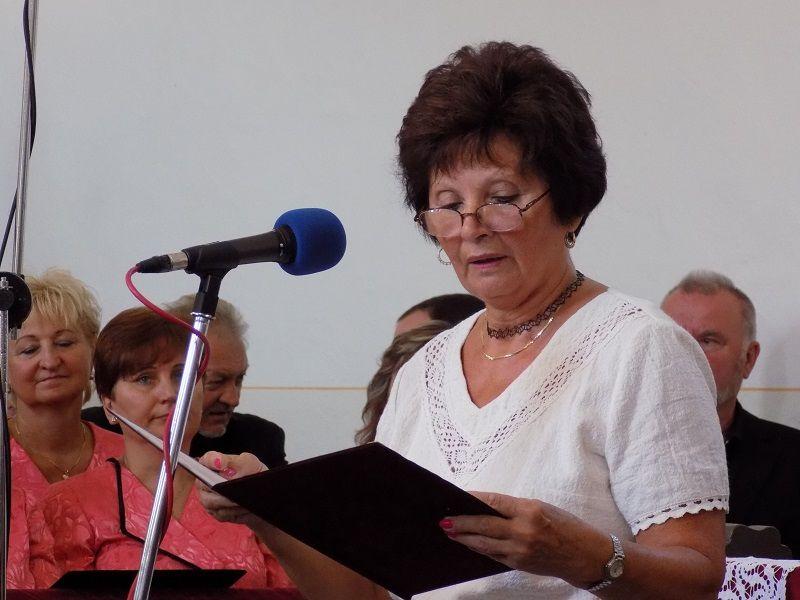 Csúsz Ilona rimaszombati nyugalmazott pedagógus útravalót mondott a pályakezdőknek (Fotó: Homoly Erzsó/Felvidék.ma)