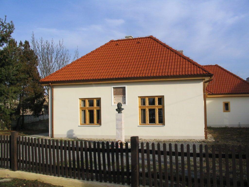 A felújított Mikszáth-ház ma (Fotó: Csáky Károly)