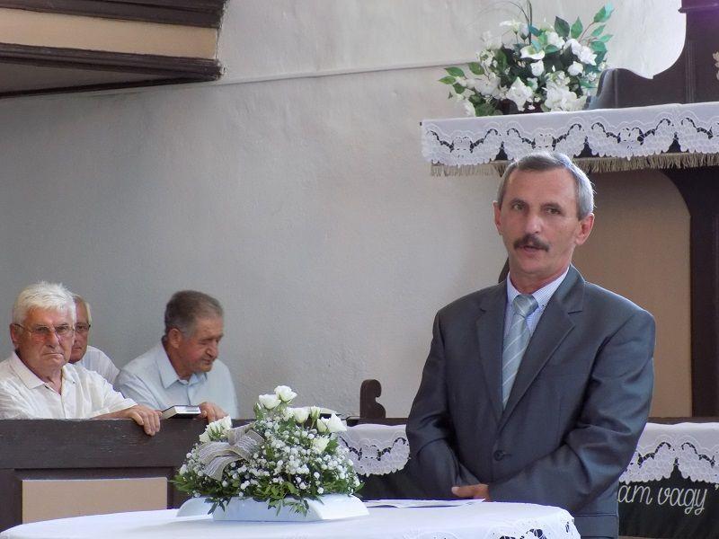 Feledy Zoltán presbiter, a felújítások irányítója (Fotó: Homoly Erzsó/Felvidék.ma)