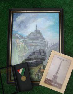 Festmény az emlékmű torzójáról