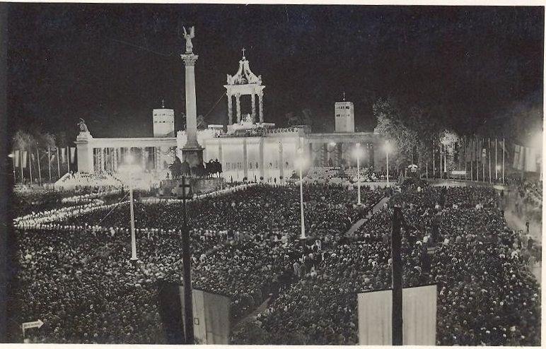 Az 1938-as Eucharisztikus Világkongresszus fő helyszíne a Hősök Tere volt. Fotó: egykor.hu