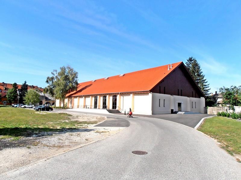 A Lovarda épülete. (Fotó: Bárány János/Felvidék.ma)