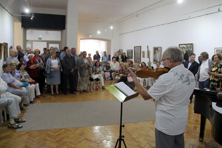A megnyitóra sokan jöttek el (Fotó: Balassa Zoltán/Felvidék.ma)
