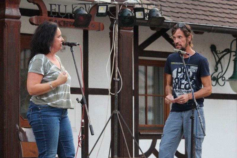 Molnár Xénia és Ollé Erik színészek improvizálás közben. (Fotó: Bárány János/Felvidék.ma)