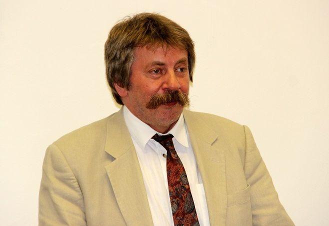 Dr. Papp Ferenc beszélt a kötet megjelenésének körülményeiről. (Fotó: Balassa Zoltán/Felvidék.ma)