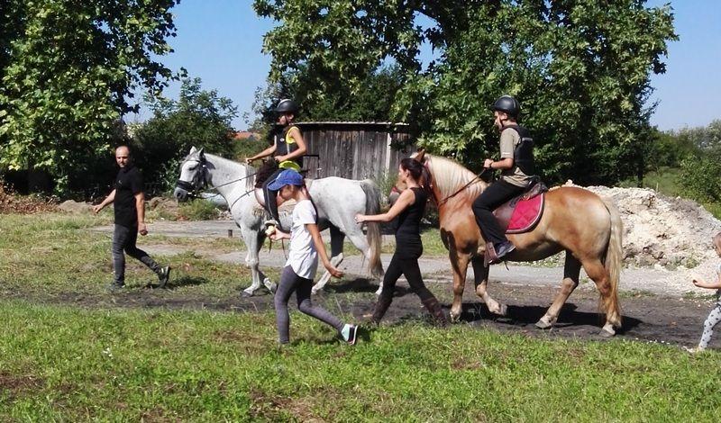 Délelőtt lovagoltak (Fotó: a Csavar Színház archívuma)