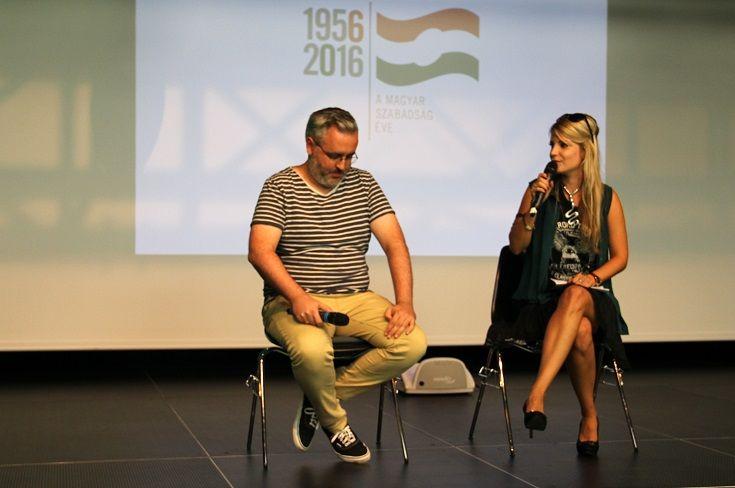 Köbli Norbert forgatókönyvíróval Ráczkevei Noémi beszélgetett. (Fotó: Balassa Zoltán/Felvidék.ma)