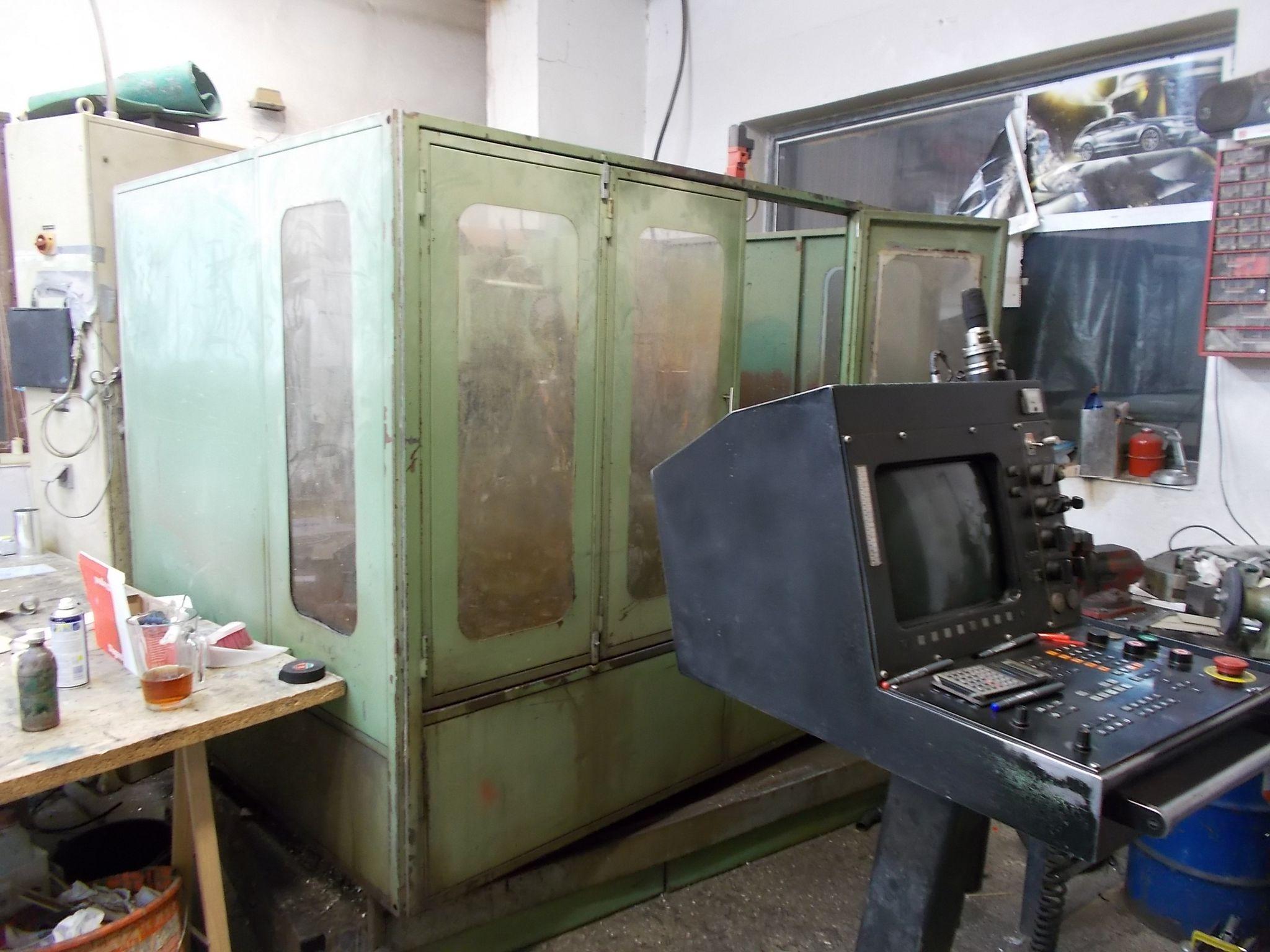 Az alkatrészek nagy része ezen a CNC gépen készült. (Fotó: Somogyi Szilárd/Felvidék.ma)