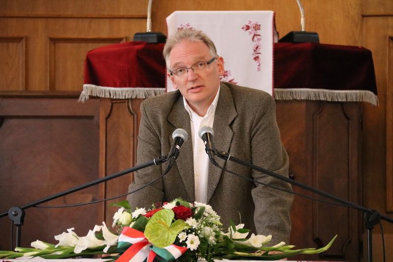 Dr. Juhász Imre egyetemi oktató jogi szempontból vizsgálta a petíciók állapotát (Fotó: Szinek János/Felvidék.ma)