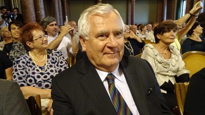 A díjazott intézmény méltatatását Albert Sándor mondta, akit szintén szoros szálak fűznek az Iparihoz. (Fotó: Gecse Géza/Felvidék.ma)