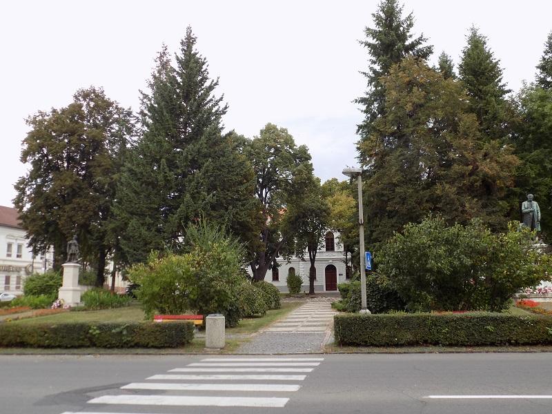 Az átépítés alatt álló Tompa Mihály tér (Fotó: Homoly Erzsó)