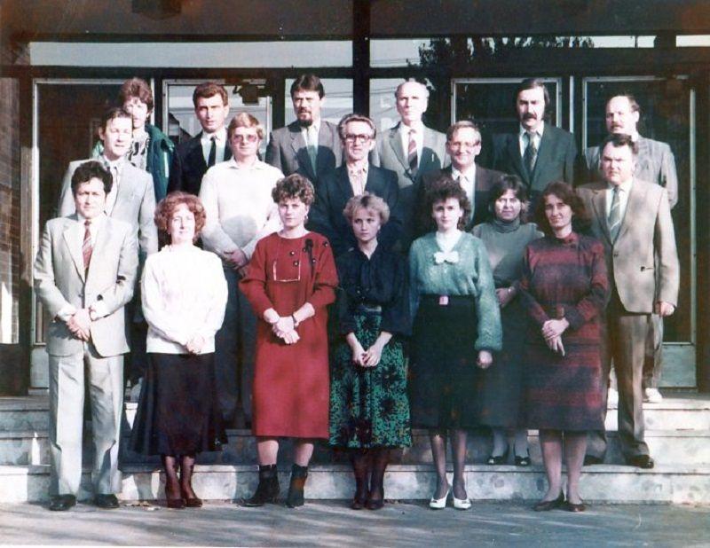 Az ipolysági magyar gimnázium tantestületével (Fotó: CSK archívuma)