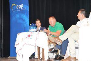 Csáky Pál európai parlamenti képviselő a beszélgetésen (Fotó: Dunajszky Éva/Felvidék.ma)
