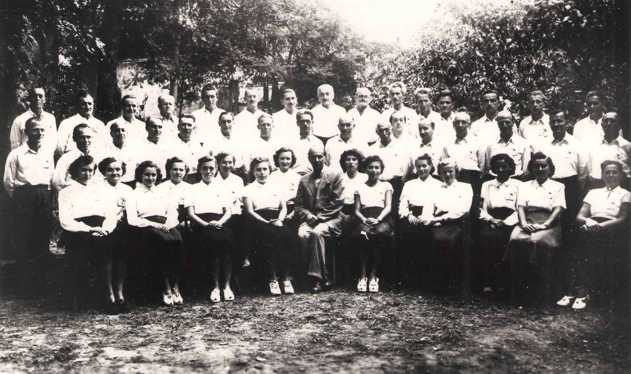 Az ötvenes évek elejétől – Schmidt Viktor vezényletével –énekelt a nagy múltú Egyetértés Munkásdalárda. (Fotó: S.L. archívuma)