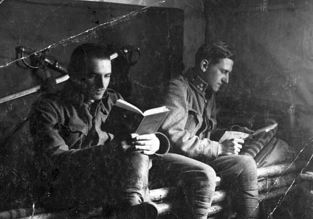 A katonák a fronton is olvastak