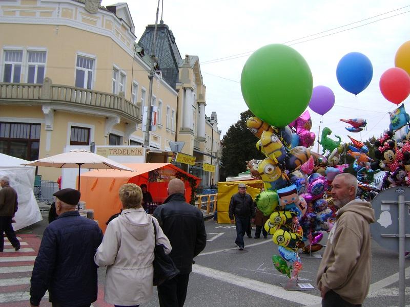 A lévai vásárban (Fotó: Kalita Gábor)