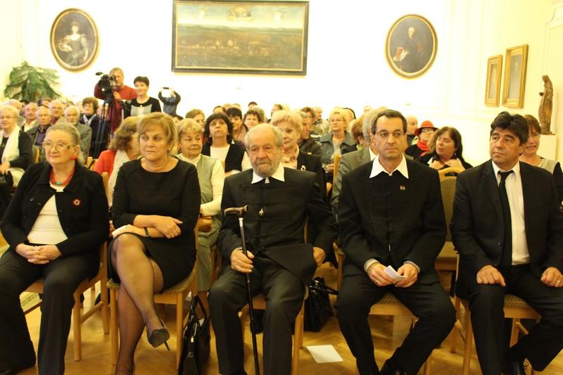 Balról jobbra Jókai Anna, Czimbalmosné Molnár Éva, Dráfi Mátyás, Tarics Péter és Nemcsák Károly (Fotó: SZE)