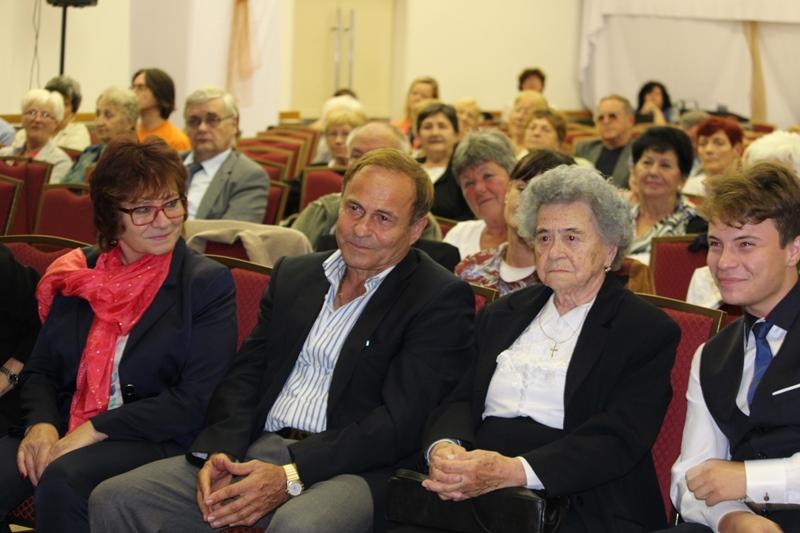 Mészáros Mária családjával (Fotó: a szerző)