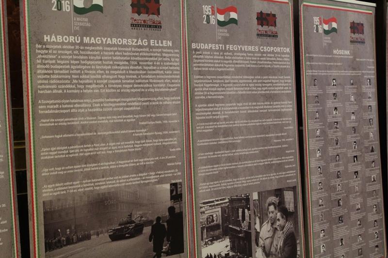 1956 – a szabadságért és a függetlenségért kiállítás paneljai (Fotó: Neszméri Tünde)