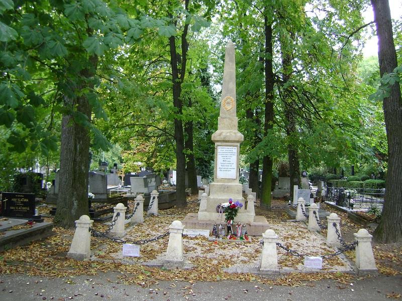 A 48-as magyar hősök emlékműve a köztemetőben (Fotó: Kalita Gábor)