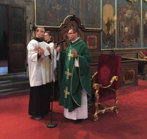 Balga Zoltán celebrálta a szentmisét (Fotó: Prágai Magyar Katolikus Lelkészség)