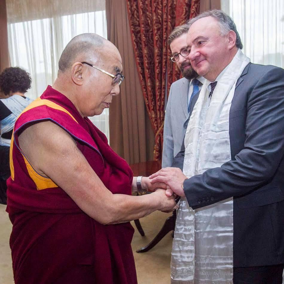 Őszentsége a XIV. Dalai Láma Csáky Pál EP-képviselővel is találkozott (Fotó: Csáky Pál Facebook-oldala)