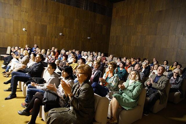 Nagy tapssal fejezte ki tetszését a közönség (Fotó: Hideghéthy Andrea/Felvidék.ma)