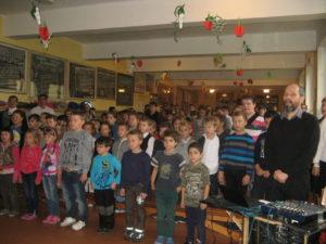 A Himnusz éneklésével vette kezdetét az ünnepi megemlékezés (Fotó: Tökölyi Angéla/Felvidék.ma)