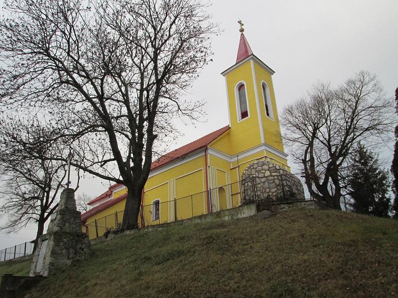A nényei Mindenszentek-templom (Fotó: Csáky Károly)