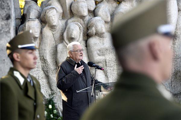 Boross Péter volt miniszterelnök ünnepi beszéde (Fotó: MTI)