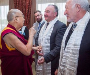 A dalai láma, Csáky és Sebej (Fotó: Dunajszky Éva)