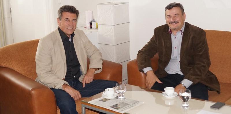 Marsall János, a magyar gimnázium igazgatója és Berényi József megyei alelnök (Fotó: BJ)