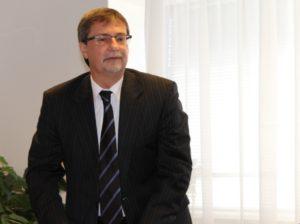 Száraz Dénes, a Kárpát-medencei Online Oktatási Centrum igazgatója (Fotó: SZE/Felvidék.ma)