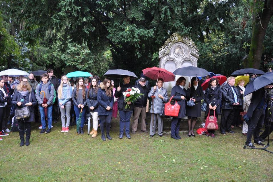 Az emlékezők egy csoportja Pozsonyban (Fotó: Oriskó Norbert)