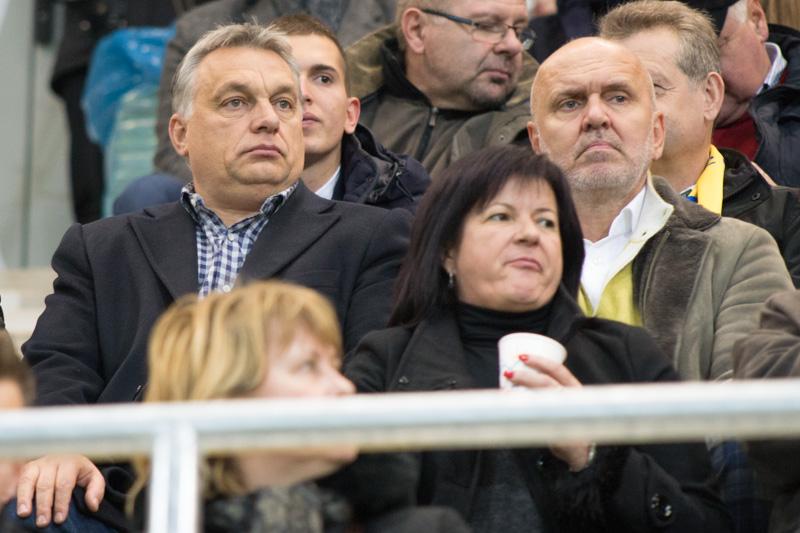 Orbán Viktor és Világi Oszkár az új stadion lelátóján a november 19-i mérkőzésen (Fotó: Hideghéthy/Felvidék.ma)