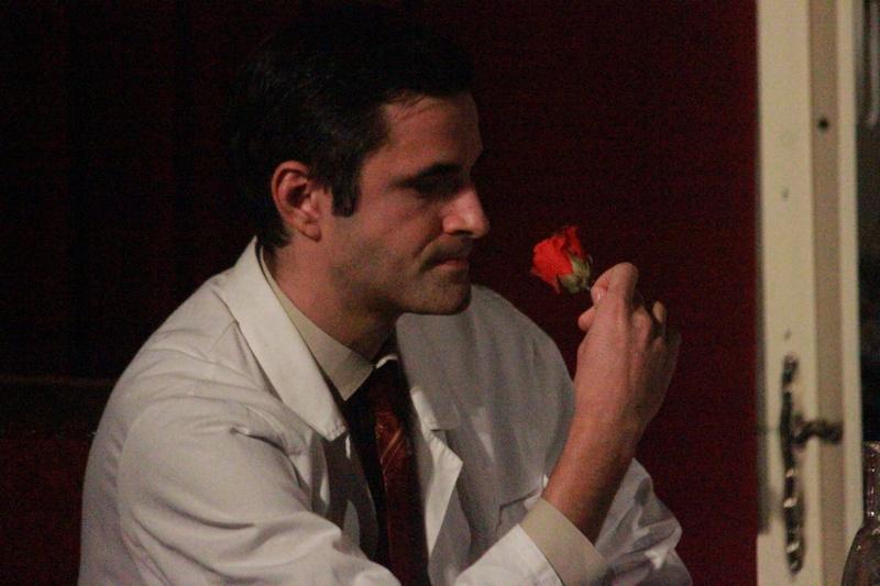 Farkas Zoltán, mint Asztalos Gergő az Illatszertár előadásában. A legjobb férfi alakítás díjával jutalmazta játékát a zsűri (Fotó:Gecse Attila)