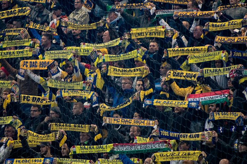 """A """"13. játékos"""" ezúttal sem maradt otthon... (Fotó: Hideghéthy/Felvidék.ma)"""