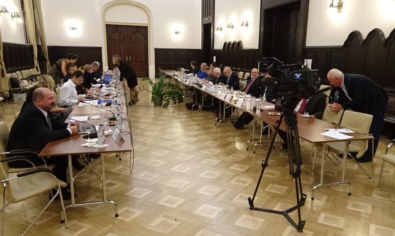 Ülésezik a vegyesbizottság (Fotó: Gecse Géza/Felvidék.ma)