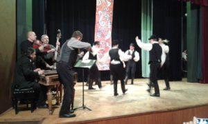 A Pántlika zenekar és a Pitypang táncosai (Fotó: a szerző)