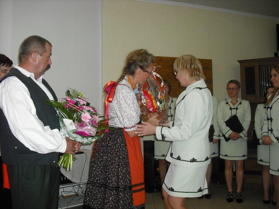 Barkó Zsuzsa fogadja a gratulációkat (Fotó: Cantabile)