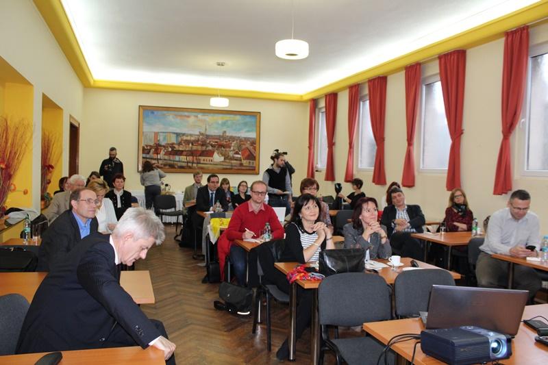 A konferencia oktatásügyi paneljének a résztvevői (Fotó: Neszméri Tünde/Felvidék.ma)