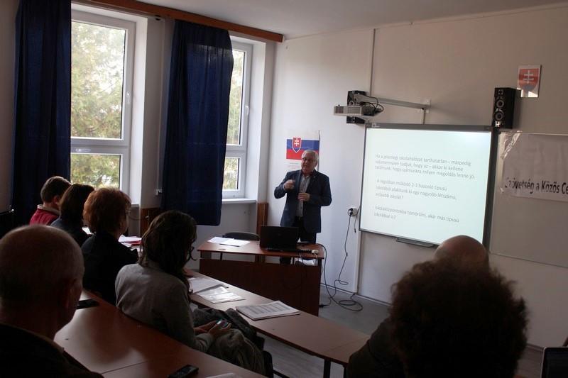 Albert Sándor előad (fotó: Szalai Erika/Felvidék.ma)