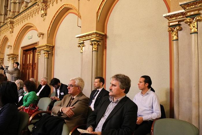 Duray Miklós és Bárdos Gyula a közönség soraiban (Fotó: Szinek János/Felvidék.ma)