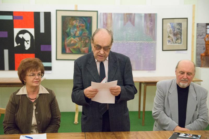 Duba Gyula író mondta el megnyitó beszédét (fotó: Hideghéthy Andrea/Felvidék.ma)