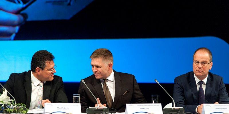 Maroš Šefčovič, Robert Fico és Navracsics Tibor (fotó: Krizsán Csaba/MTI)