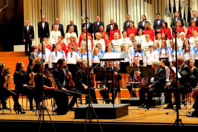 Az énekkarok közös fellépése (fotó: Bodó Emília)