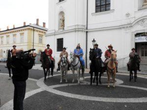 A hét vezér bevonulása a múzeum udvarára (Fotó: Németh István)