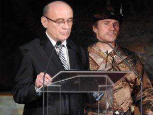 Csütörtöky József, a múzeum igazgatója köszöntőt mond (Fotó: Németh István)