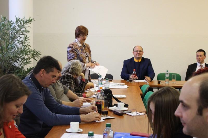 Pogány Erzsébet előadás közben (Fotó: Szalai Erika/Felvidék.ma)